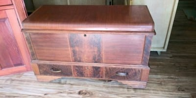 Vintage Cedar Chest with Drawer