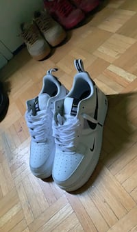 Lightly worn Air Force 1 volt