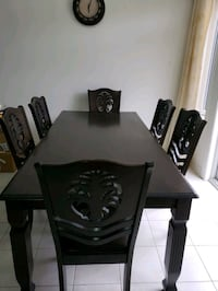 Dinning set in 6 chairs seats 8 persons