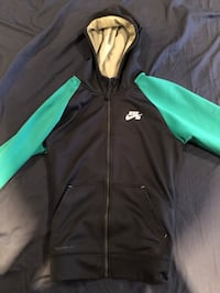 Nike Hoodie LIGHTLY WORN Kids Large Vaughan, L4K 5K3