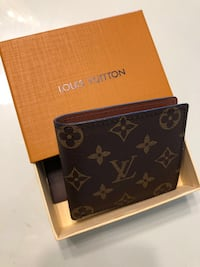 Men LV wallet  Doral