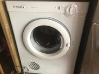 Simpson 4kg dryer in excellent condition null
