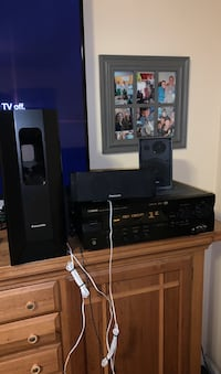 Amplifier and stereo set