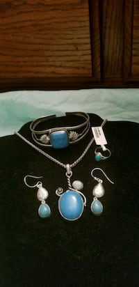 Turquoise necklace, earrings, ring and braclet set