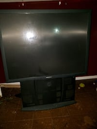 5.5 ft. Tall tv good working condition Warsaw, 28398