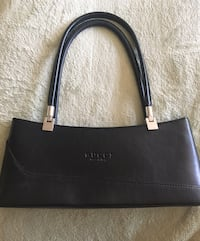 Black leather Gucci purse, hand held as well as removable shoulder strap.  Brand new, never used, Carlsbad, 92010