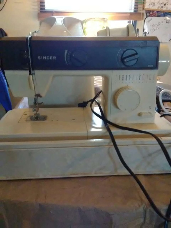 Used Black And Beige Singer Electronic Sewing Machine For Sale In Simple Singer Electronic Sewing Machine