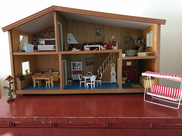 Used 1970s Vintage Lundby Dollhouse For Sale In Woodmere Letgo