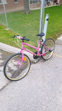 Ladies CCM bike very good condition  Toronto, M9V 2G3