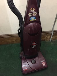 Bissell vacuum cleaner with new bags. Everett, 02149