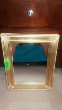 Good Deal Gold Mirror 20L by 16in W North Las Vegas, 89030
