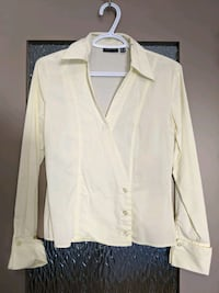Stylish long sleeve light yellow blouse size small