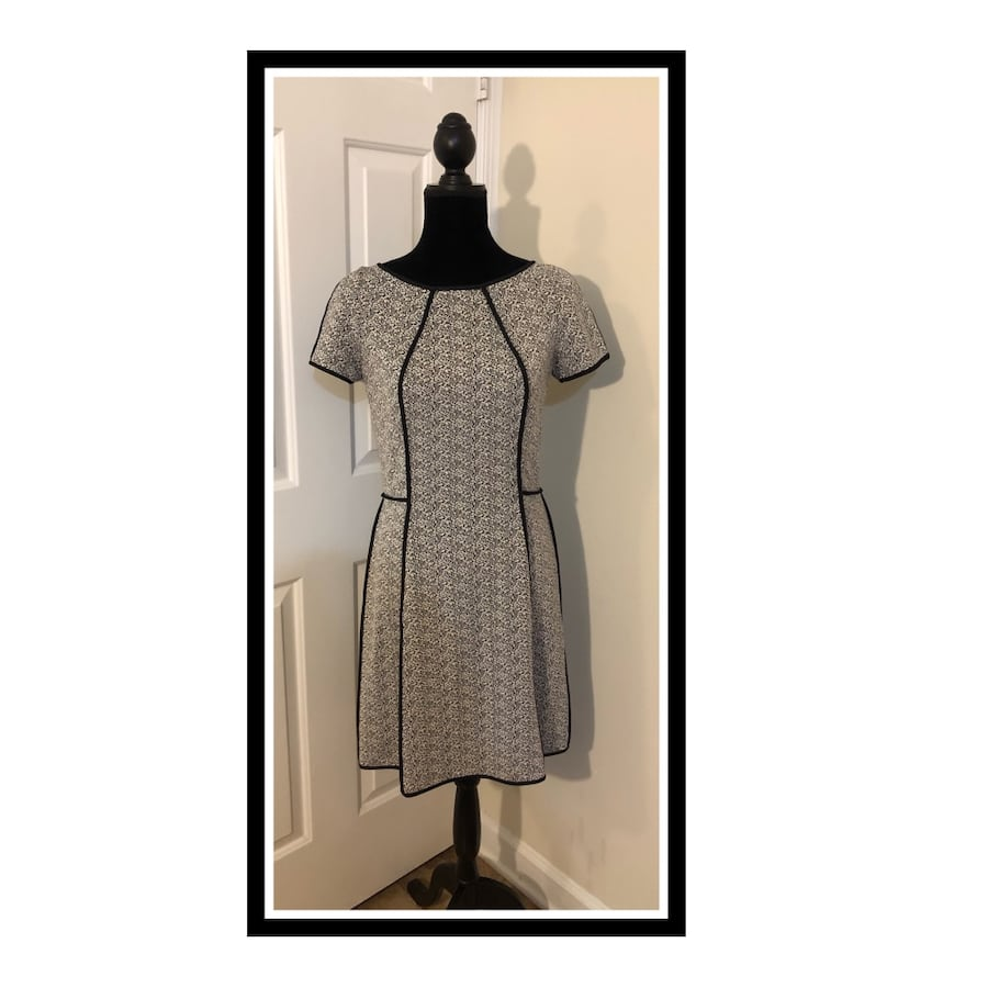 "Yoana Baraschi ""Made in NYC"" Jacquard Form Fitting Dress..Size 10"