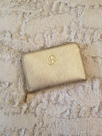 117cb463f92 Used Tory Burch small wallet for sale in TORONTO - letgo