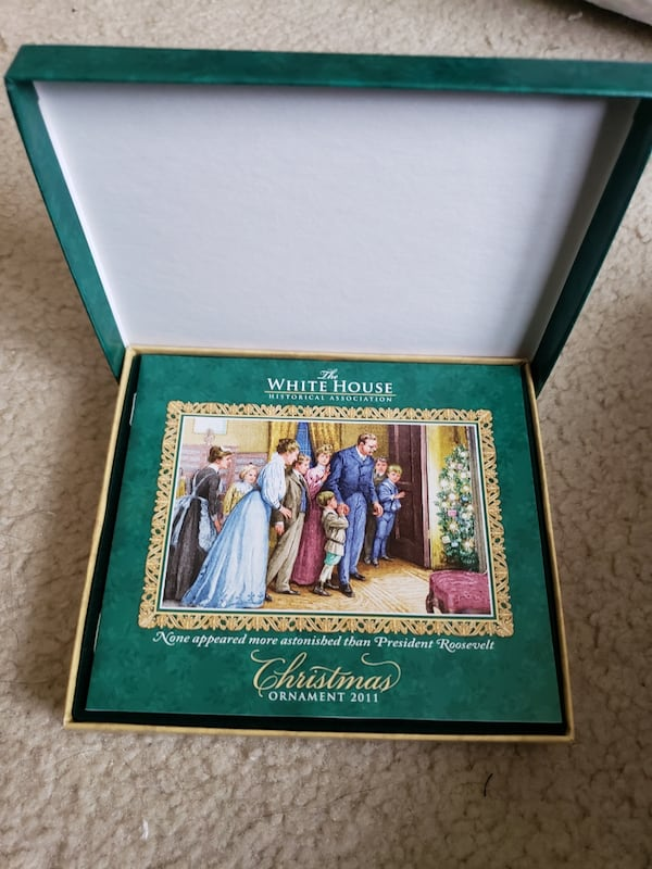 2011 Collectible White House Christmas Ornament 6b30d69f-f91c-43bc-a740-a28d8618799c