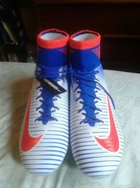 pair of blue-and-red Nike cleats Toronto, M3A 2E8