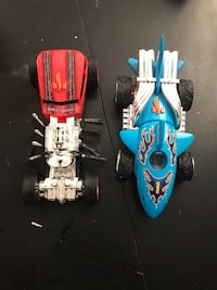blue and red RC toy car Longueuil, J3Y 4W4