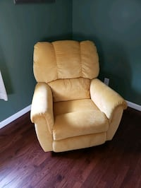 Lazy- boy Rocker/Recliner Sayreville, 08859