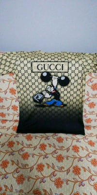 Gucci T-shirt %100 Authentic  Vienna, 22182