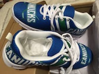 CANUCKS  runners(BNIB)
