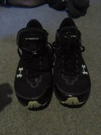 pair of black-and-white Under Armour sneakers Winnipeg, R3R 1M1