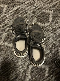 pair of black-and-white running shoes Saint Louis, 63125