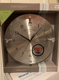 Silent, stainless steel clock, brand new! Sterling, 20164