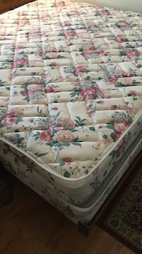 white and pink floral print bed sheet Haymarket, 20169