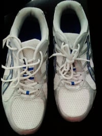 Running shoes excellent condition  Dollard-des-Ormeaux