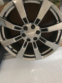 "22"" Chrome rims with lug nuts Fayetteville, 72703"