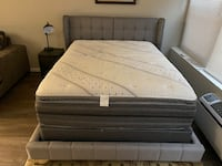 Queen bed with Beauty Rest Black mattress   Chicago, 60611