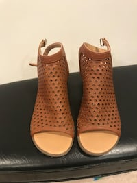 Nine West open toe tan bootie sandals, size 7. Excellent condition Vancouver, V5V 3Y5