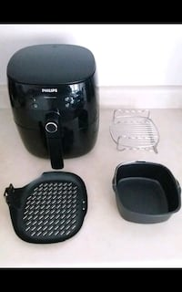 Philips Airfryer with 3 Accessories (1 year old) Waterloo, N2K 3S1