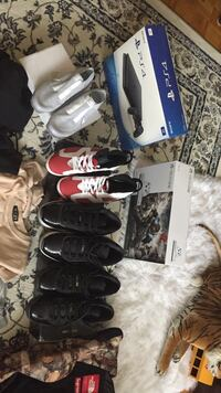 pair of assorted shoes lot Mississauga, L5M 5E2
