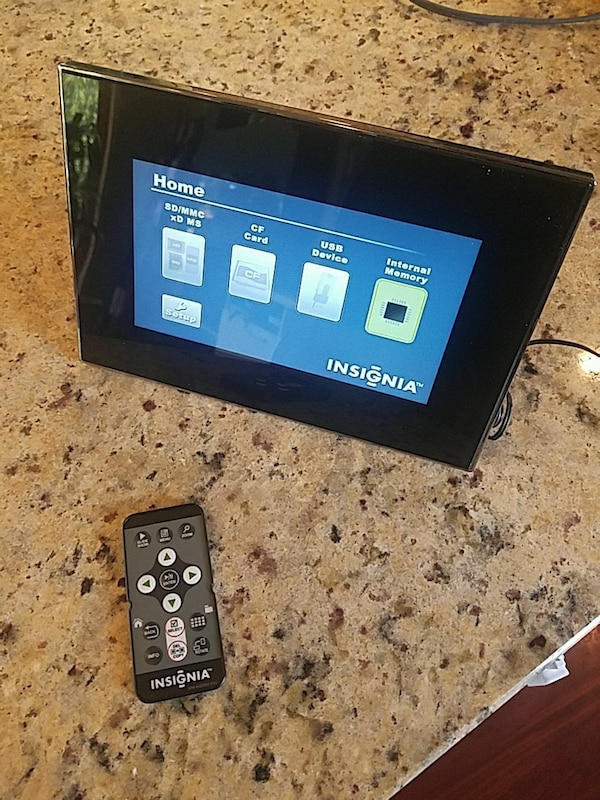 Used Digitak Picture Frame (Insignia) for sale in Chicago - letgo