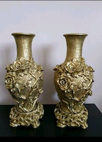 two gold-colored candle holders Montréal, H1G 4V8
