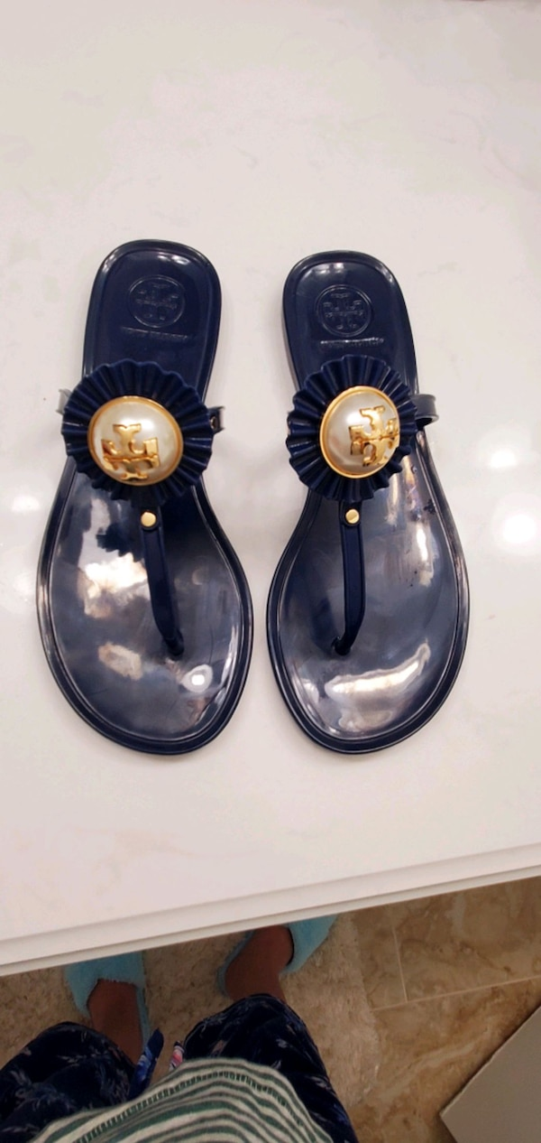 Size 5 Tory burch sandals 1