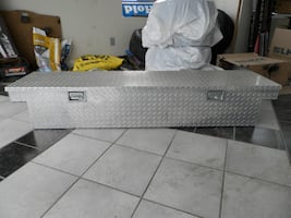 "Aluminum Cross Bed Truck Tool Box, 70"" x 17"""