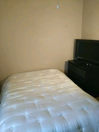 ROOM For Rent $400 a month prefer single female Phoenix
