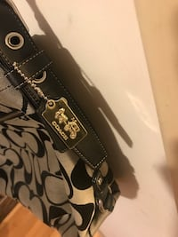 Coach Purse Rockville, 20853
