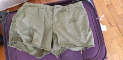 Olive green shorts Large size
