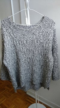 black and white scoop neck sweater Montreal