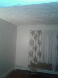 ROOM For Rent 1b shhared bath Providence