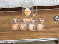 UT plastic pitcher and 4 glasses Knoxville, 37922