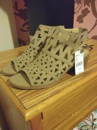 Taupe Color Shoes W Tags