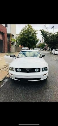 Ford - Mustang - 2006 Jersey City, 07306