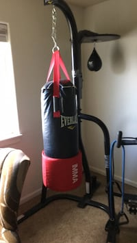 black and red Everlast heavy bag Vancouver, 98686