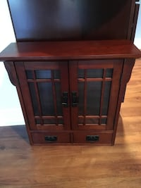 Small display cabinet  Lorton, 22079