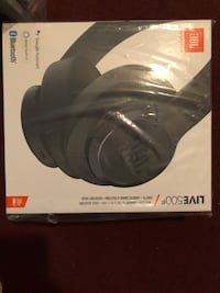 JBL LIVE 500BT wireless around‑ear headphones - NIB Suffolk, 23435