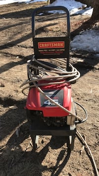 Black and red Craftsman 1800 PSI 4.5 HP 2.0 GPM pressure washer 461 mi
